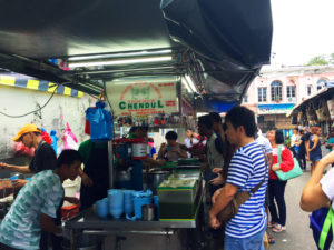 The long queue of cendol