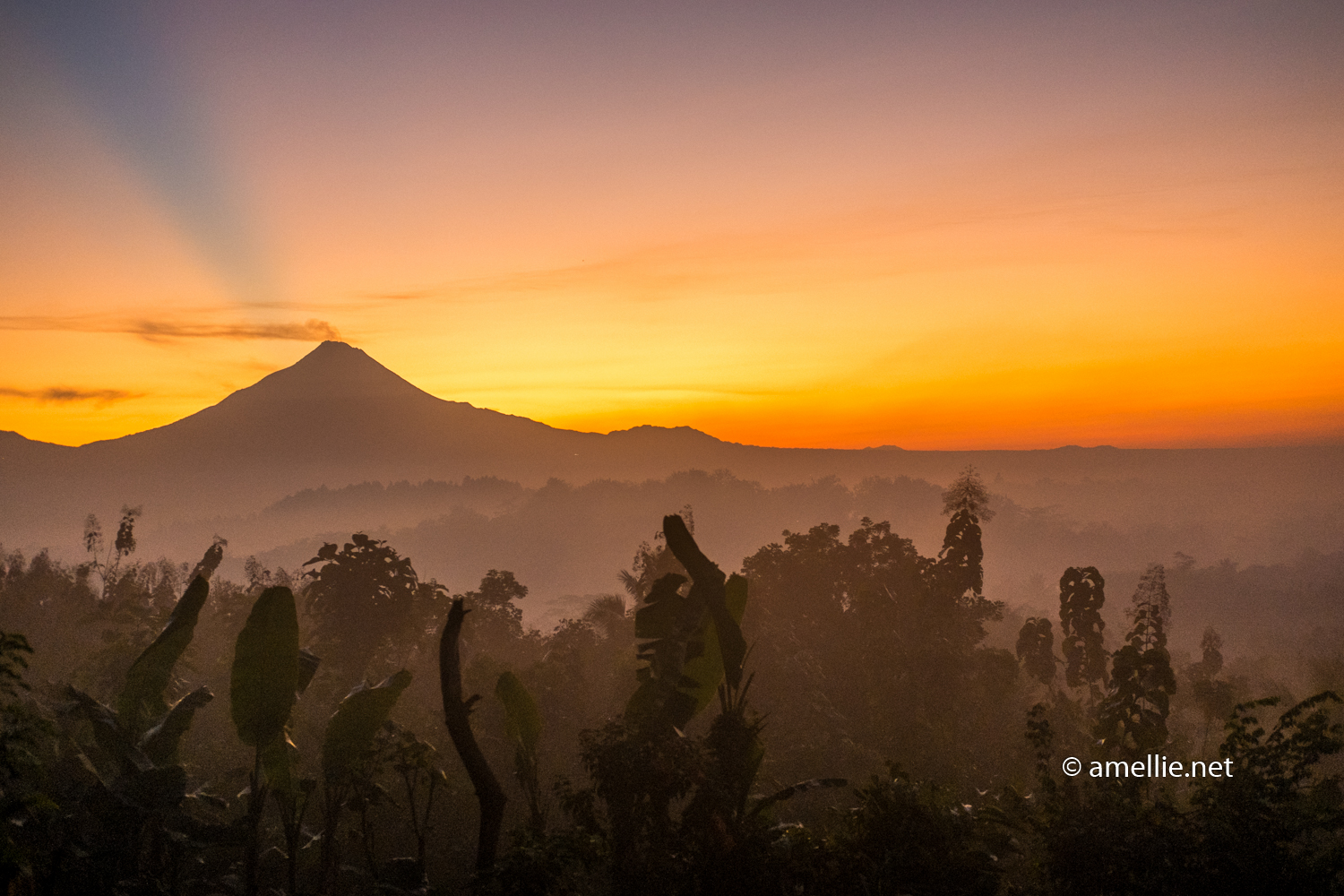 4 Days In Yogyakarta The Ultimate Itinerary For Instagram Worthy Explore Jogja 2018 I Think We Made Right Decision Sunrise View Was Worth Wait With Its Magnificent Merapi Backdrop Borobudur Is So Tiny Though