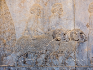 Assyrian delegates bringing sheep for the king